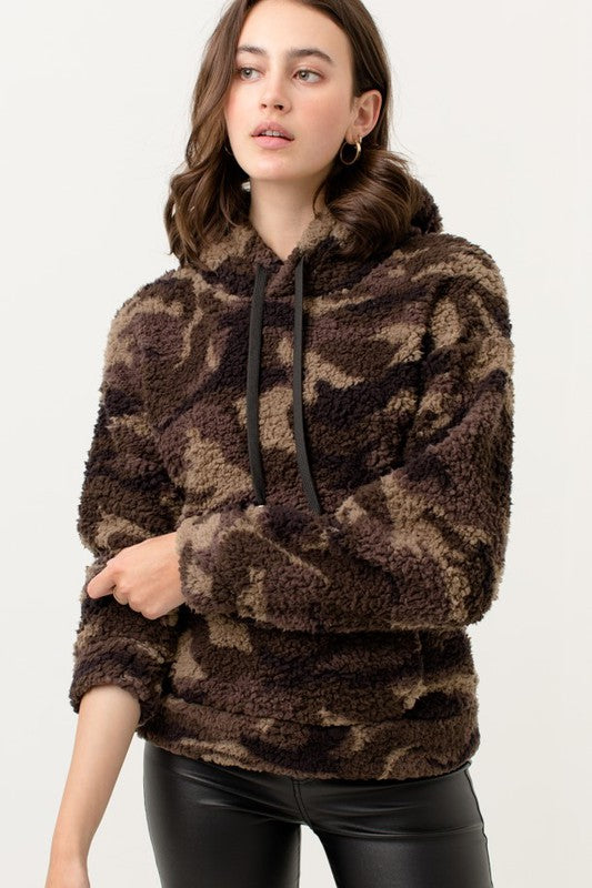 Camo Print Faux Fur Sherpa Fleece Teddy Hoodie Top