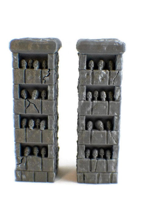 2 Skull Pillars - 28mm miniatures for Occult Temple - Miniature Town