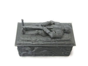 DnD Miniature Knight Tomb for 28mm Graveyard Scenery - Miniature Town