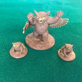 3-Piece Owlbear Mama & Cubs 28mm Miniature Set - Miniature Town