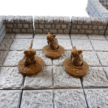 Load image into Gallery viewer, 3 piece Giant Rats 28mm Scale Monster Miniatures for D&D Terrain