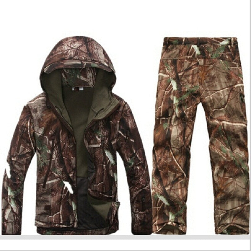Tactical Softshell Breathable Hunting Fishing Bionic camouflage Jackets +pants