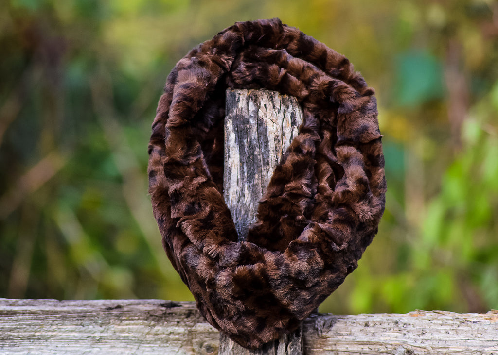 Chocolate Leopard Ruff