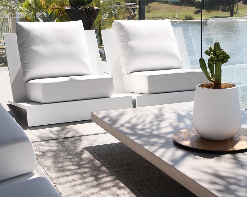 White Halcyon Outdoor One Seater