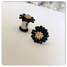Load image into Gallery viewer, Retro daisy flower embelishment plugs gauges 8g 6g 4g 2g 1g 0g