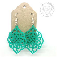 Load image into Gallery viewer, Earrings acrylic filigree scalloped oval