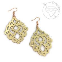 Load image into Gallery viewer, Earrings acrylic filigree scalloped diamond