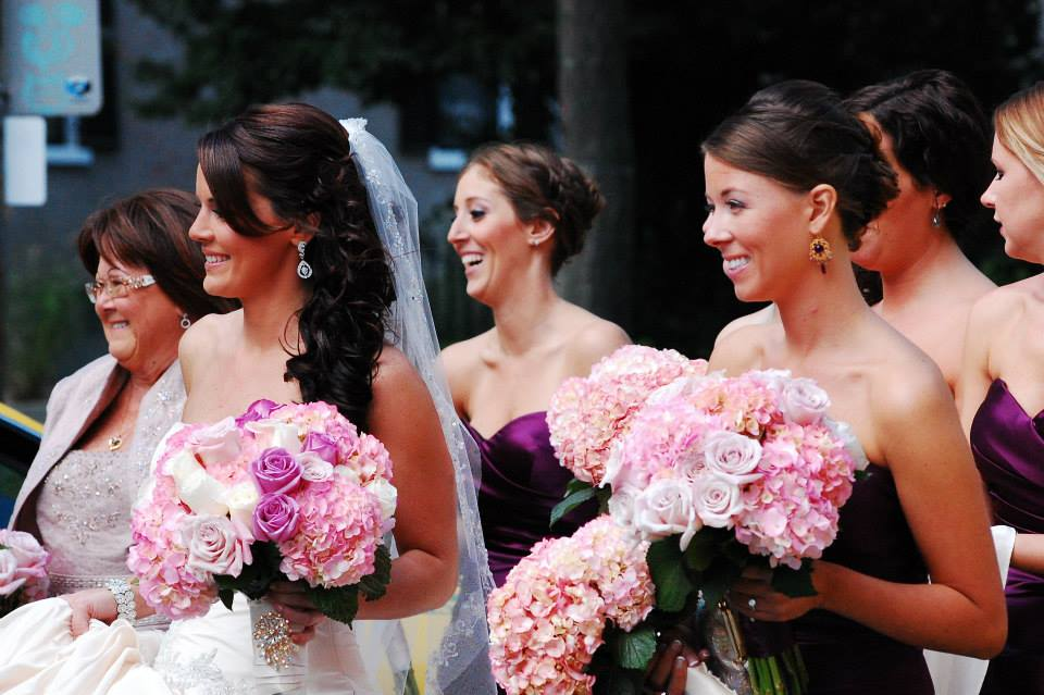 Bride and Bridesmaids with pink bouquets