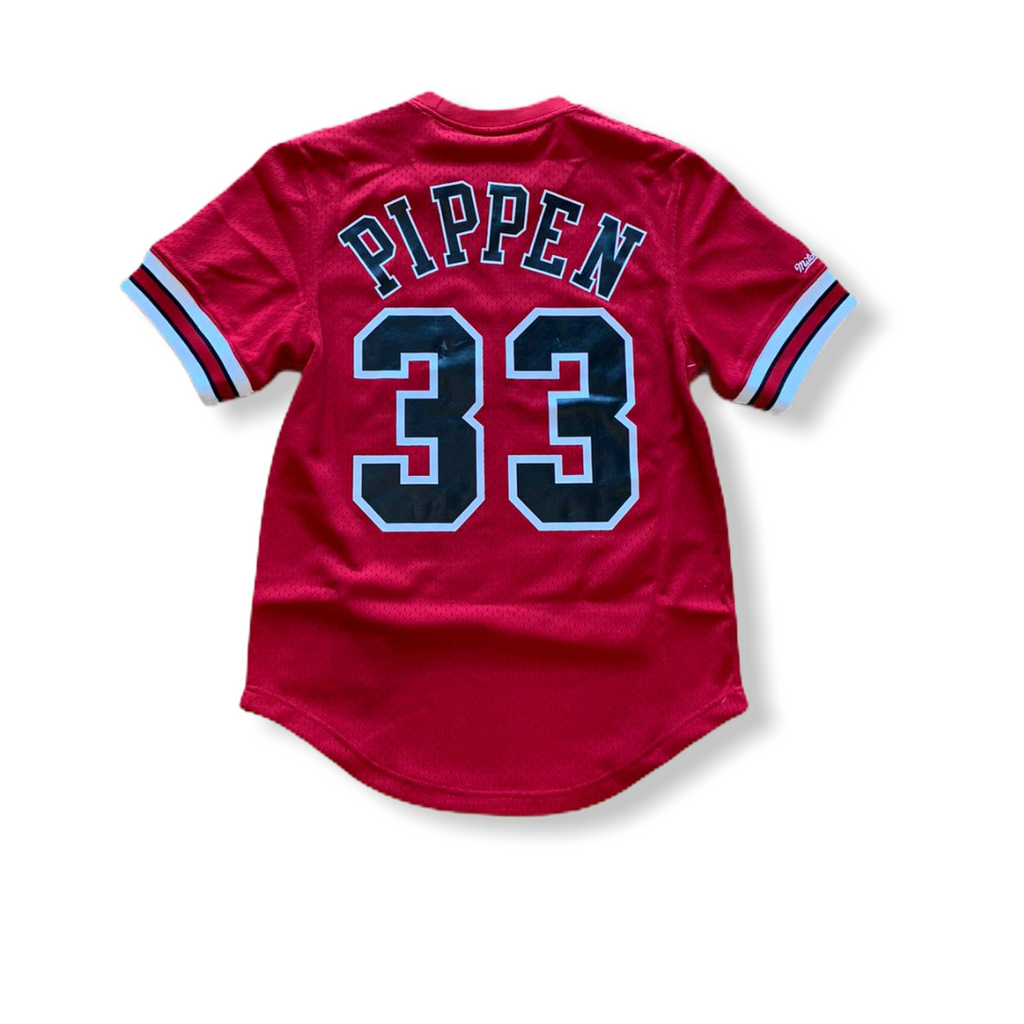 Mitchell & Ness: Scottie Pippen Bulls Mesh Pullover - On Time Fashions Tuscaloosa