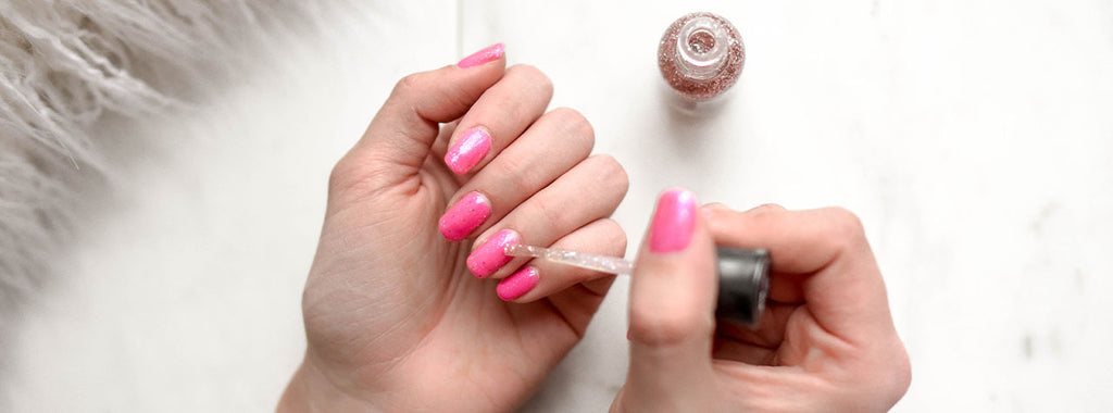 5 Easy DIY Manicures to Improve Your Clothes