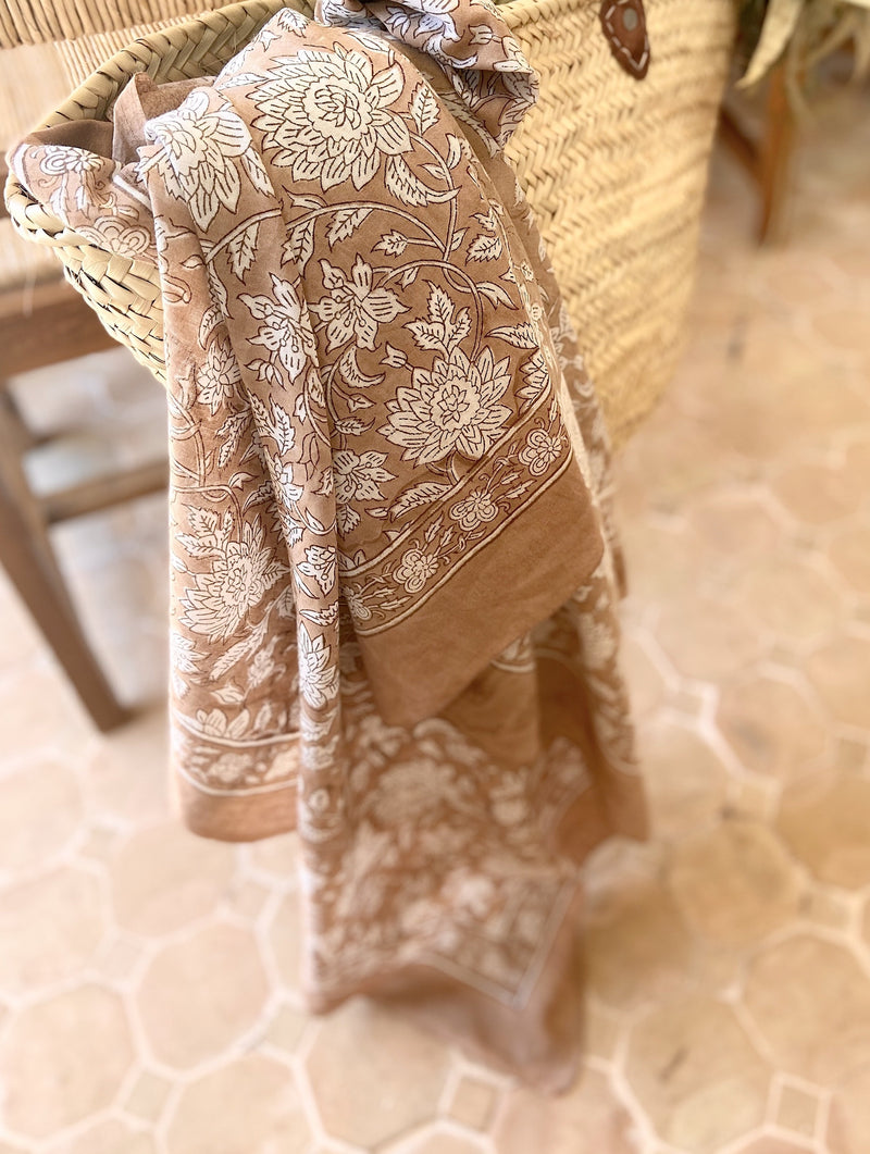 Soft Voile throw in Maron