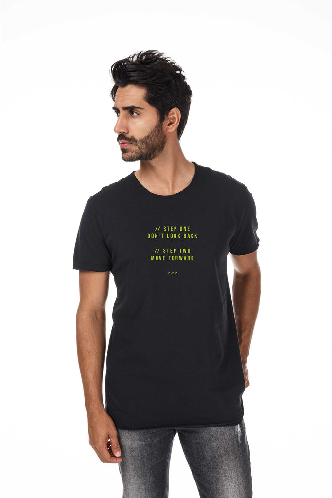 Camiseta Masculina Estampada Preta Move Forward