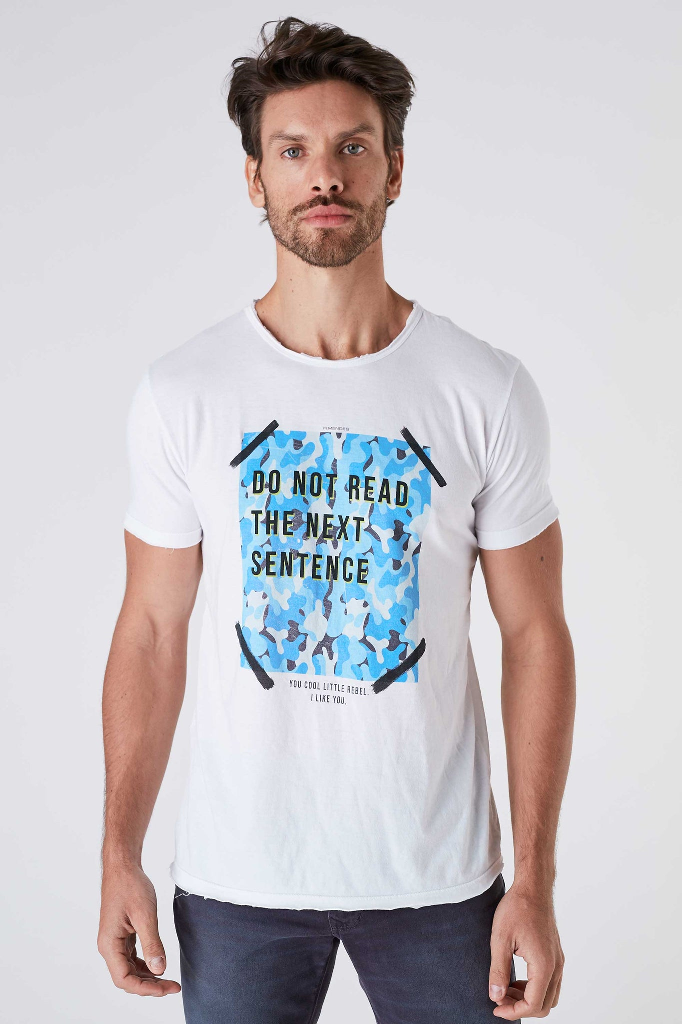 Camiseta Masculina Estampada Branca Do Not Read The Next Sentence