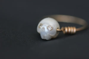 Infinite Queen - Natural White Pearl, 14K Solid Gold Ring, Champagne Diamonds