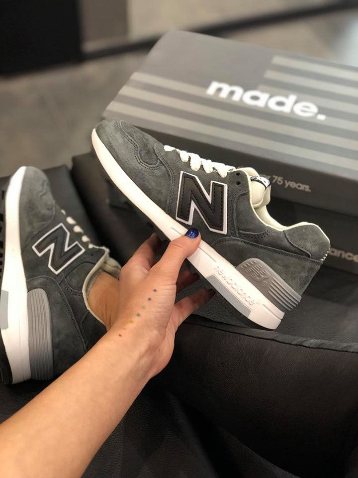 New Balance 1400 Dark Grey