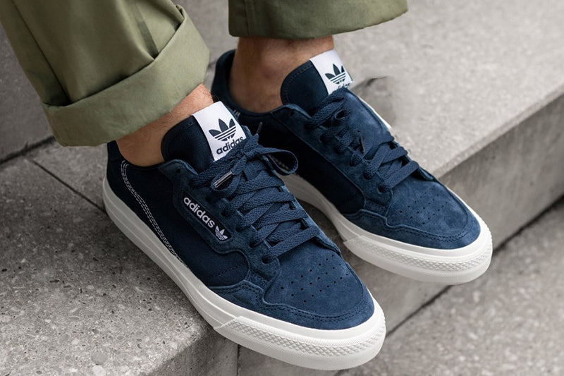 https://cdn.shopify.com/s/files/1/0092/9415/1742/products/adidas-continental-vulc-collegiate-navy-ftwr-white-collegiate-navy-ef3521-3-os_1024x1024.jpg