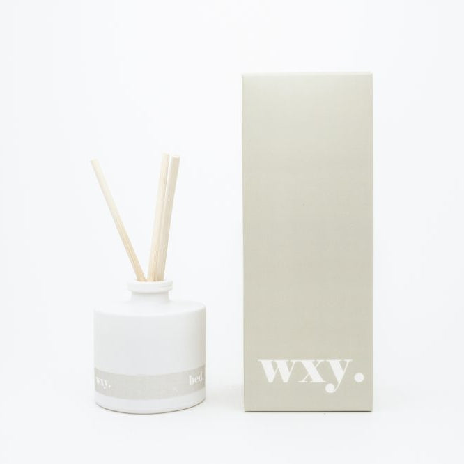 Reed diffuser home frangrance. Handmade using parabin free, non toxic and eco friendly oils.  Warm Musk + Black Vanilla