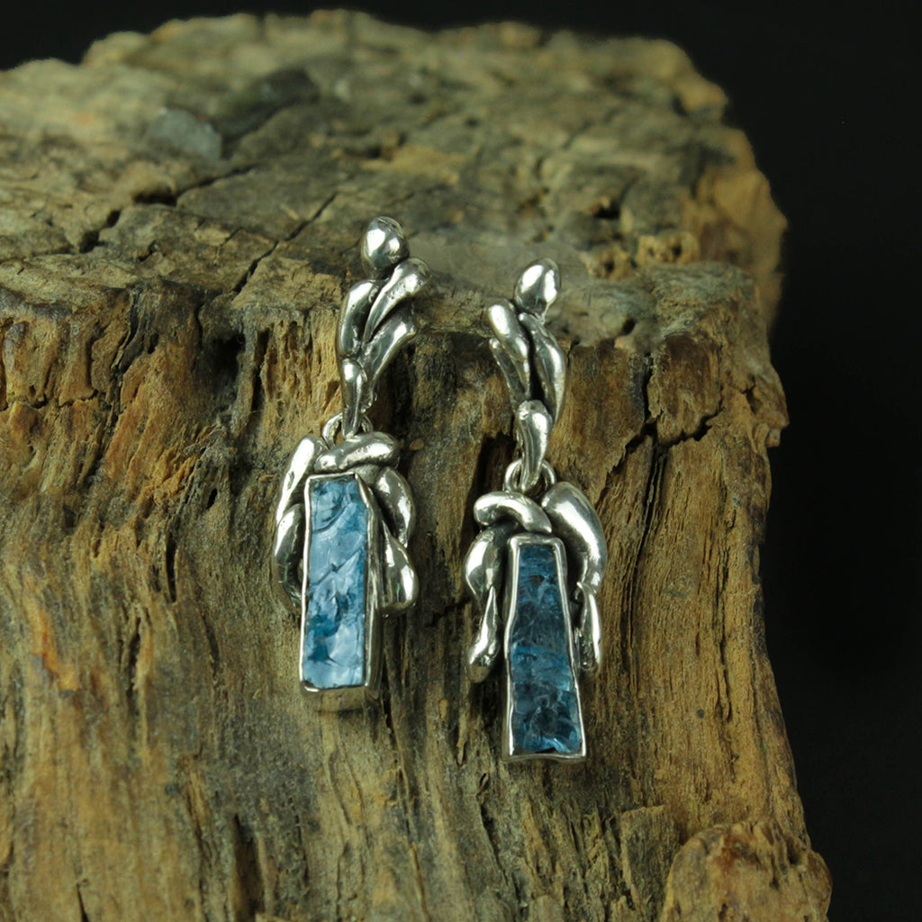 BLUE TOPAZ EARRING STERLING SILVER 950