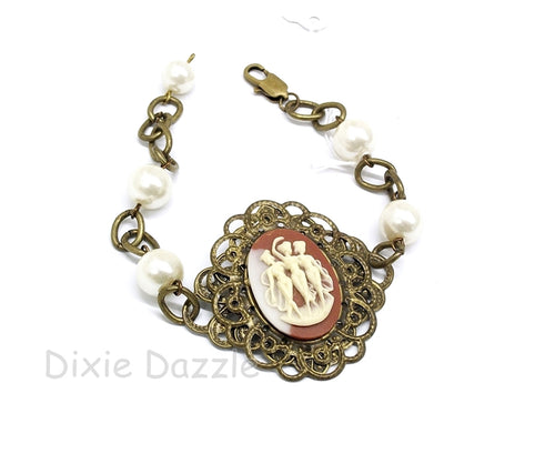 3 muses Cameo bracelet with pearls and bronze filigree