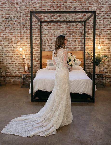 Rustic Sheath Long Sleeves Wedding Dress with Lace Beading Vintage Bridal Gown