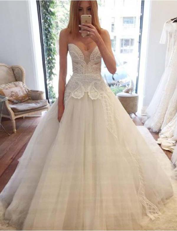 Elegant A Line Floor Length Sleeveless White Sweetheart Wedding Dress with Lace - ericprom