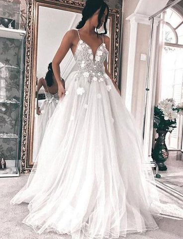 Spaghetti Straps Sleeveless Backless Wedding Dress with Appliques