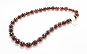 Antique cherry amber necklace w/ screw clasp