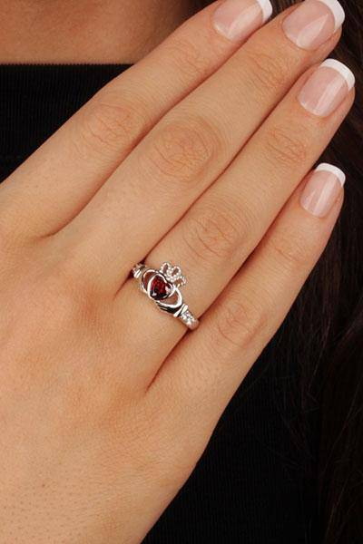 "JANUARY Birthstone Silver Claddagh Ring LS-SL90-1 Inscribed with ""Love Loyalty Friendship"" - Uctuk"