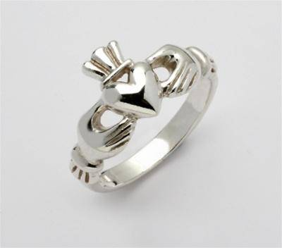 Retired Ladies Silver Claddagh Ring LSF-R119 - Uctuk