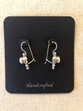 Load image into Gallery viewer, Earrings- pearl earrings