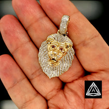 Load image into Gallery viewer, 10kt Yellow Diamond Lion Pendant