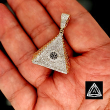 Load image into Gallery viewer, 10kt Yellow Gold Illuminate Diamond pendant