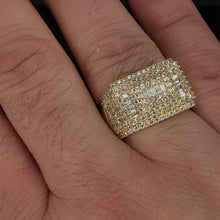 Load image into Gallery viewer, 10kt Yellow Gold Diamond Ring 2.20ct