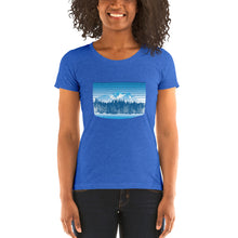 Load image into Gallery viewer, Colorado Rocky Mountain Winter Retro - T-Shirt - Women's - Alterned North - T-Shirt - Women