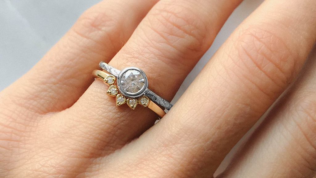 Does my wedding ring need to be the same metal as my engagement ring?
