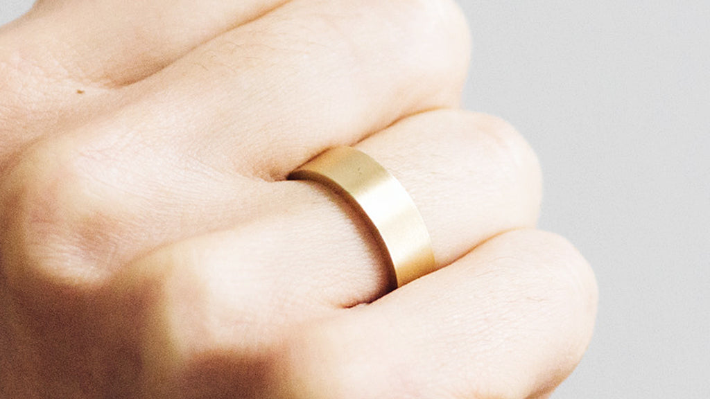 Why is my Wedding Ring Scratched and How Can I Fix It?
