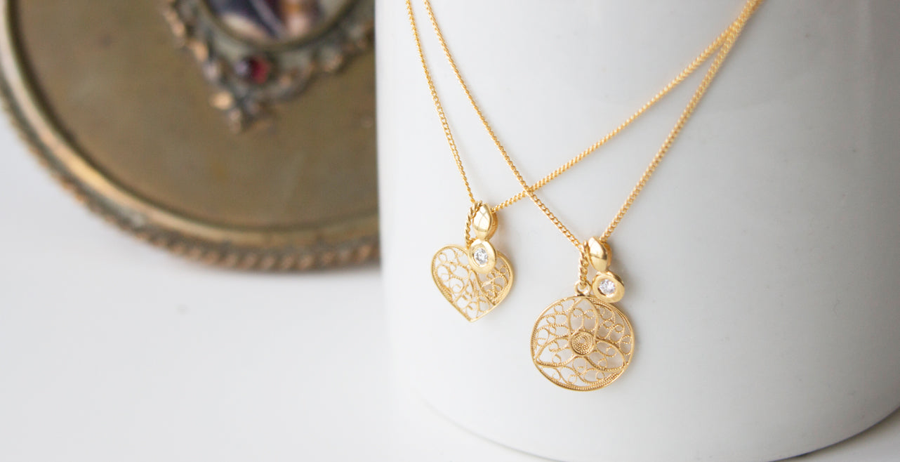 Award-winning designer, Arabel Lebrusan, delights and entices with delicate filigree in her Nature Entwined Collection