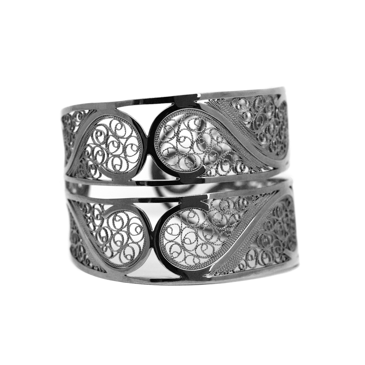 Filigree Links Bangle Bracelet. Black - Arabel Lebrusan