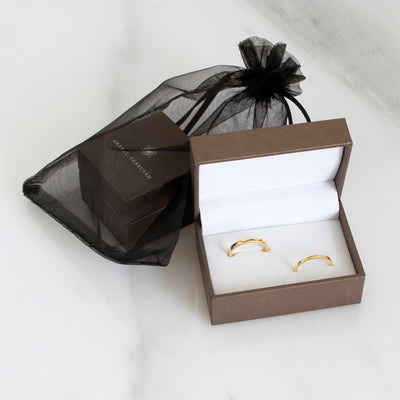 Ethical wedding rings with sustainable packaging