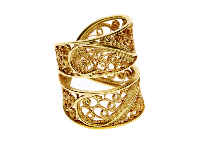 Filigree Links Ring. Yellow Gold