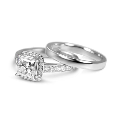 Bespoke engagement ring - princess-cut diamond and 100% recycled platinum 4