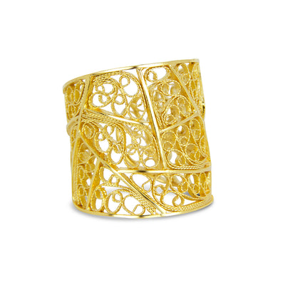 Filigree Trapezoid Ring. Yellow Gold