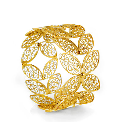 Filigree Walnut Leaf Bangle. Yellow Gold
