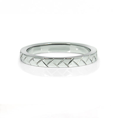 Bespoke men's wedding ring - 100% recycled platinum and hand-engraved lines