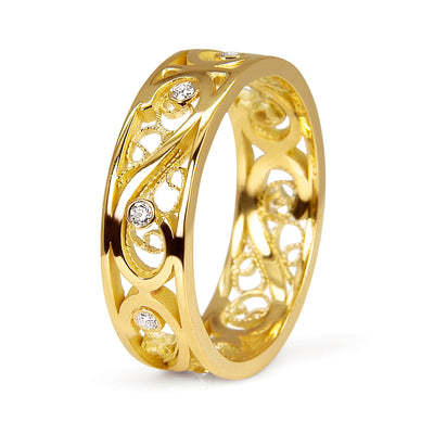 Bespoke Tamsin wedding ring - recycled yellow gold, conflict-free diamonds and filigree technique