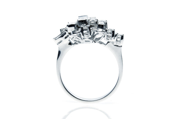 Diamond Manuela engagement ring
