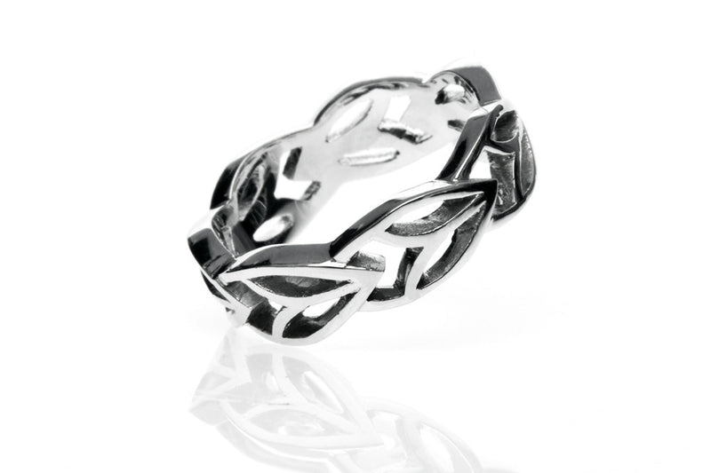Leaf Wedding Ring. White gold