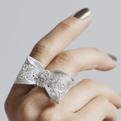 Filigree Bow Ring in Silver