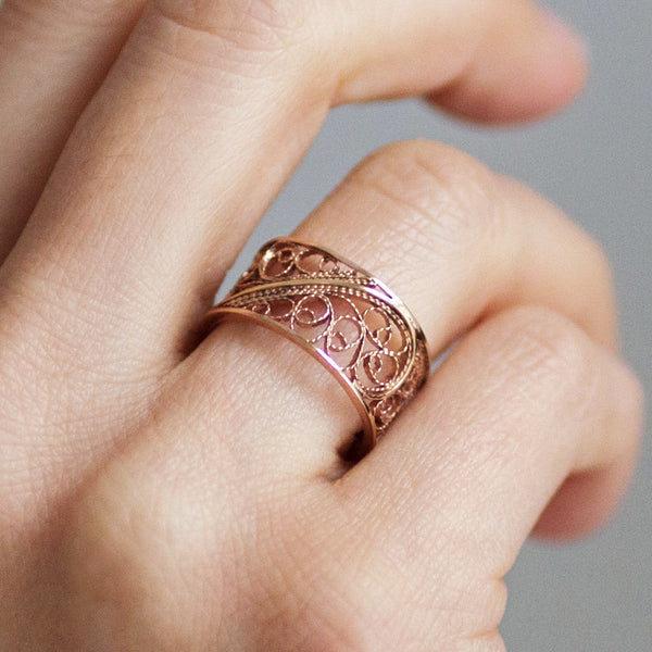 Filigree Links Single Ring. Rose Gold