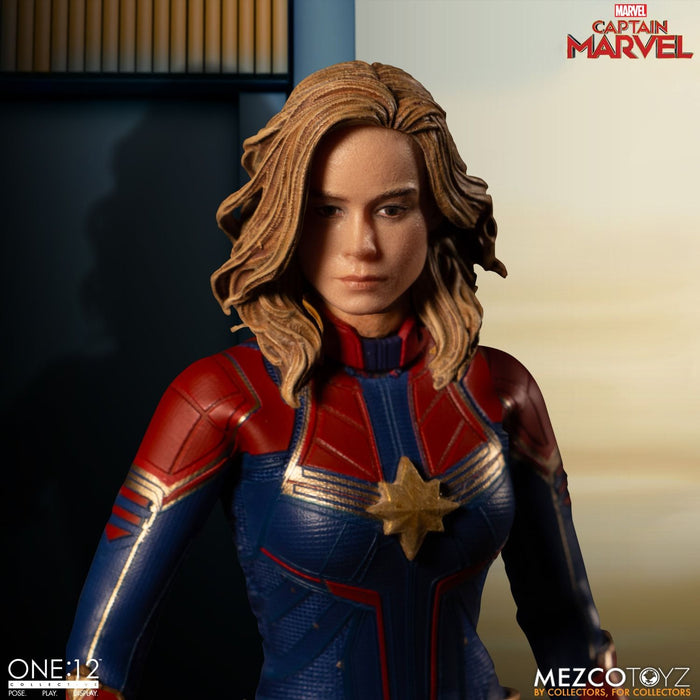 Mezco Toyz One:12 Collective - Captain Marvel - Toy Titanz